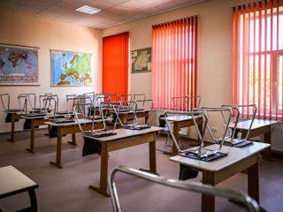 Clarificări cu privire la școlile din municipiul Sibiu care au adoptat scenariul roșu
