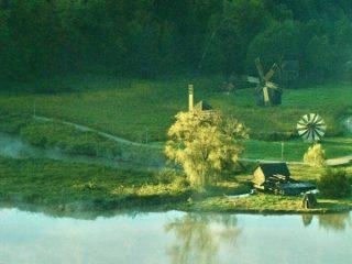 Astra Film Festival face valuri / Vizionare de film din bărci care plutesc pe lac