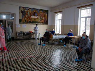 """Zeci de rezidenți ai Spitalului Clinic de Psihiatrie """"Dr. Gheorghe Preda"""" din Sibiu au primit vaccinul împotriva COVID-19"""
