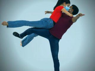 """Imaginea sentimentelor și senzațiilor ascunse. Spectacol de dans contemporan: """"Amurg, 304 zile de lămâie"""""""