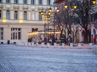 Pietonalul din Piața Mică se mai extinde încă un pas