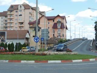 Viaductul spre Calea Șurii Mari și giratoriul de la intersecția străzilor Lungă și Rusciorului intră în reparații