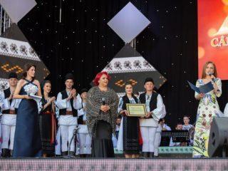 Silvia Macrea a primit distincția de cetățean de onoare al județului Sibiu
