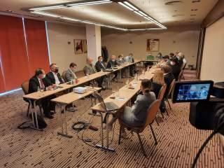 Seminar strategic la Sibiu: A.C.U.M – Actiune pentru o Comunitate Unita si Moderna
