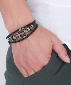 bracelet ancre cuir tresse sur poignet