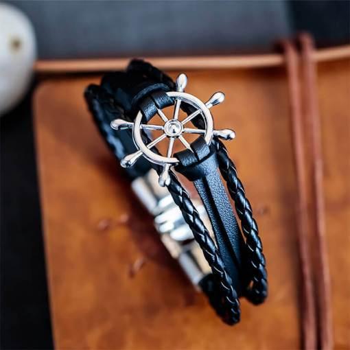 Bracelet de marin motif gouvernail en cuir multicouche noir argent