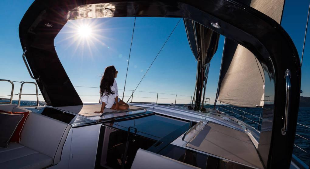 exterieur-pont-oceanis-yacht-62-beneteau-mesailor