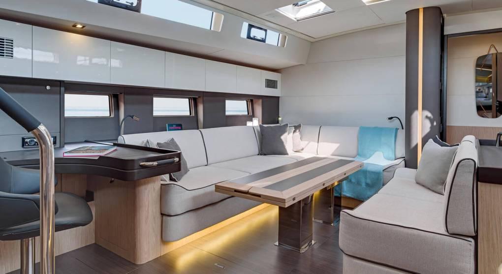 interieur-2-oceanis-yacht-62-beneteau-mesailor