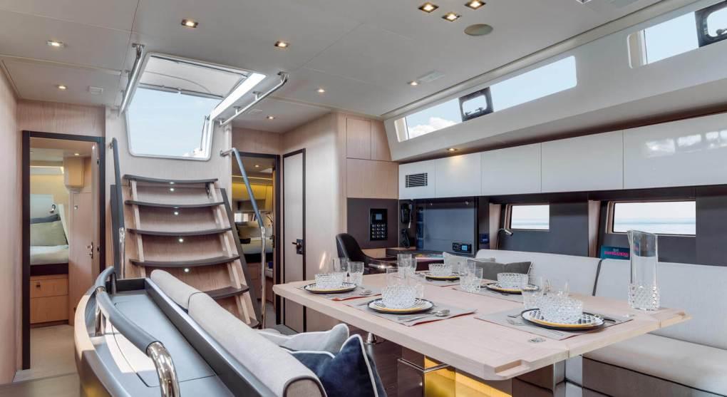 interieur-carre-oceanis-yacht-62-beneteau-mesailor
