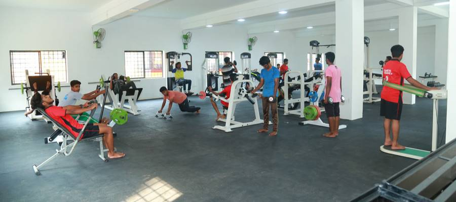The College Health Club is equipped with top-class fitness ...