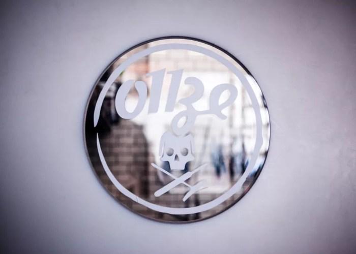 porte restaurant onze avec logo