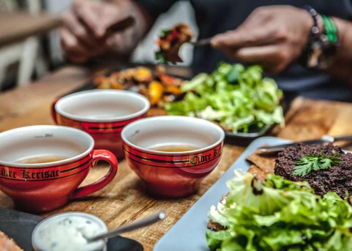 Restaurant levallois perret ONZE bolet de cidre rouge et crêpes