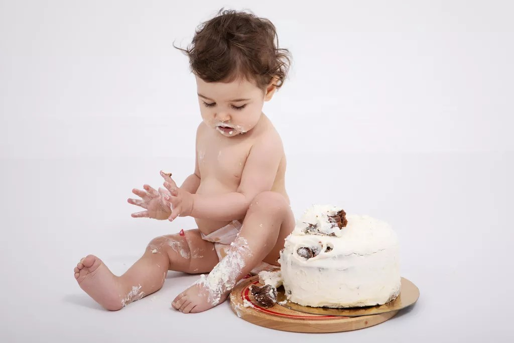 bébé après le smash the cake