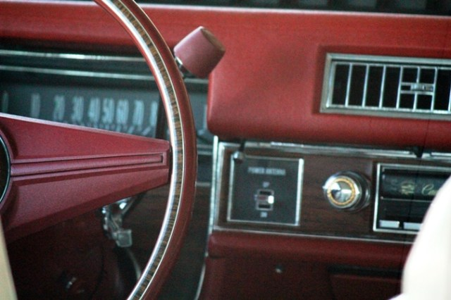 1976 Cadillac Coupe De Ville