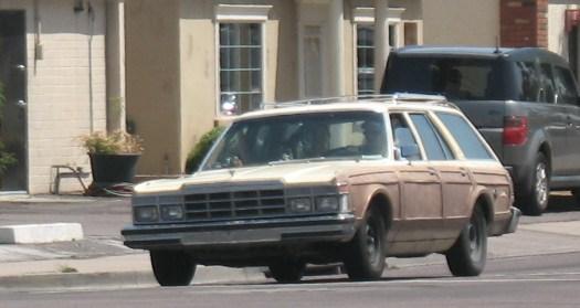 Chrysler LeBaron Town & Country