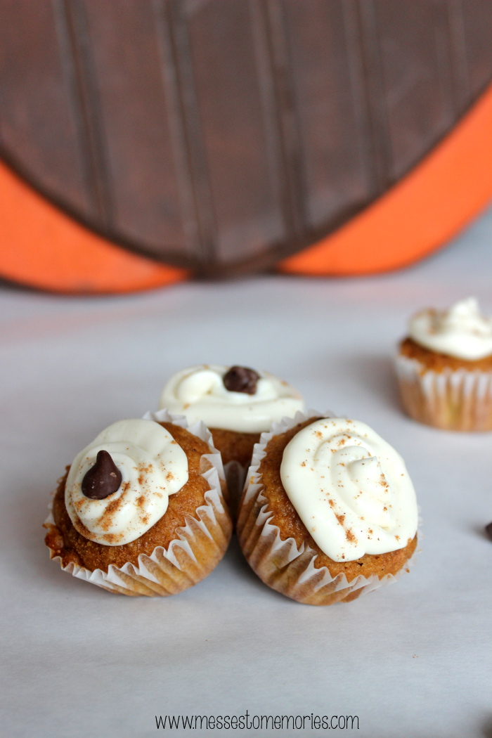 Mini Pumpkin Chocolate Chip Muffins with Whipped Cream Cheese are absolutely divine from Messes to Memories