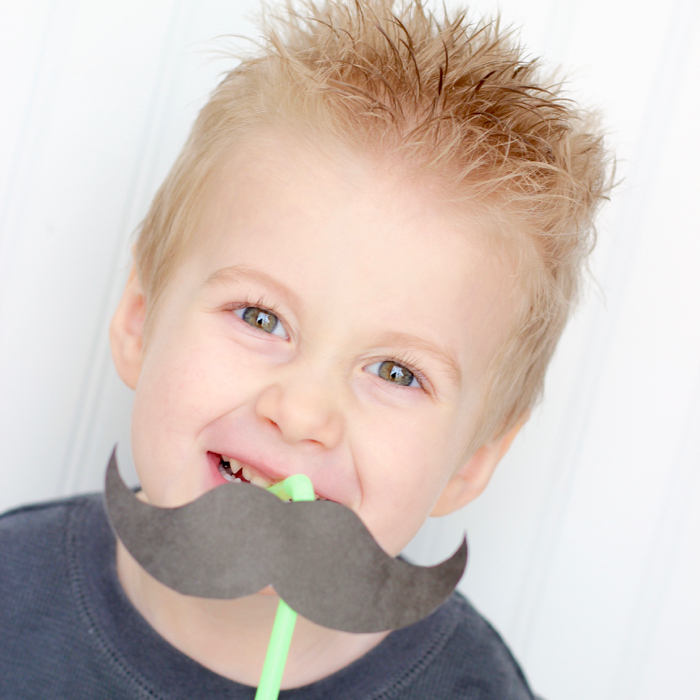 Silly Mustache Straws--Great for a party for little men!