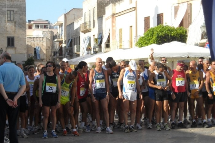 """""""II Giro Podistico di Favignana"""": tra sport & vacanza"""