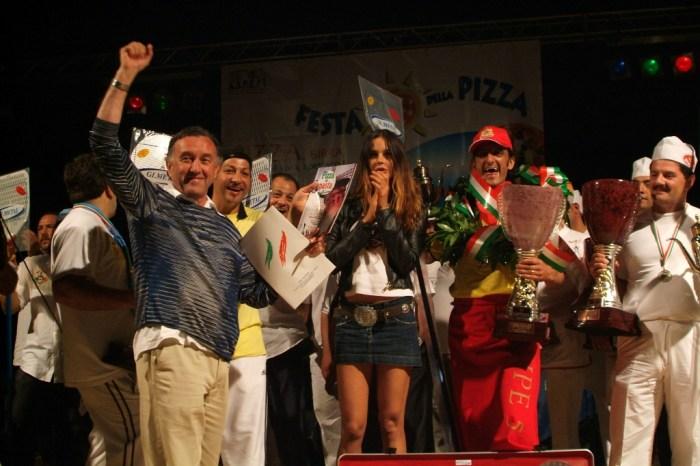 """Fervono i preparativi in vista della """"Festa della Pizza"""""""