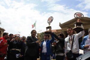 Premiazione Betta e Catania con sindaco Orlando