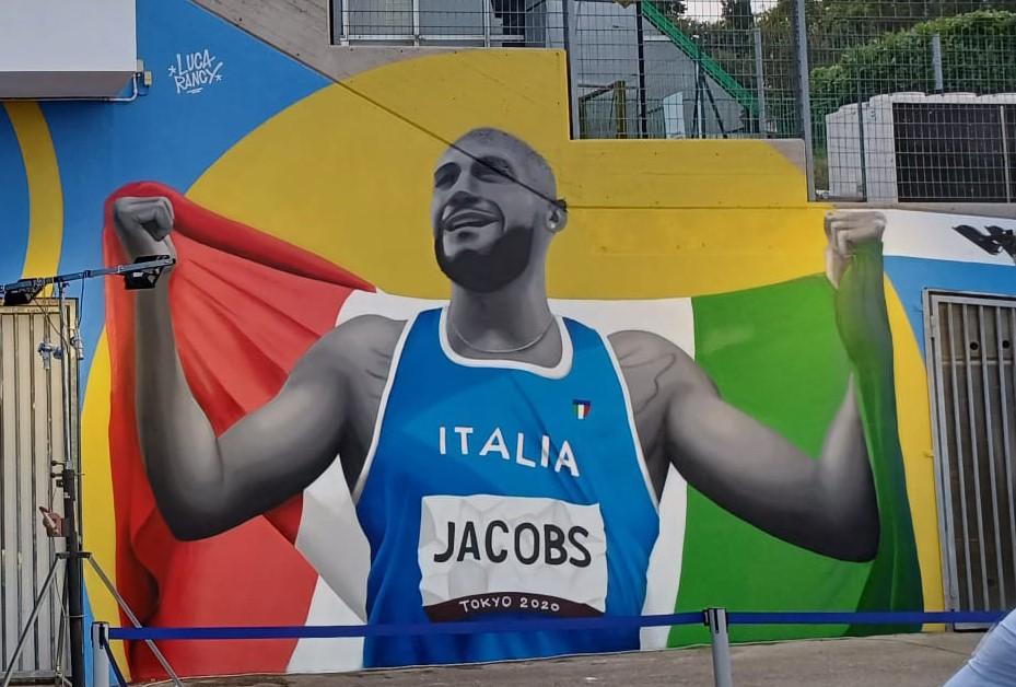 Jacobs, un murales nella sua Desenzano