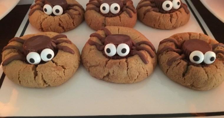 Halloween spider biscuits