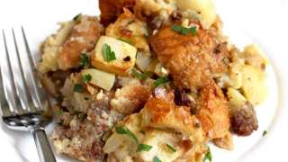 Skillet Apple and Sausage Stuffing Recipe