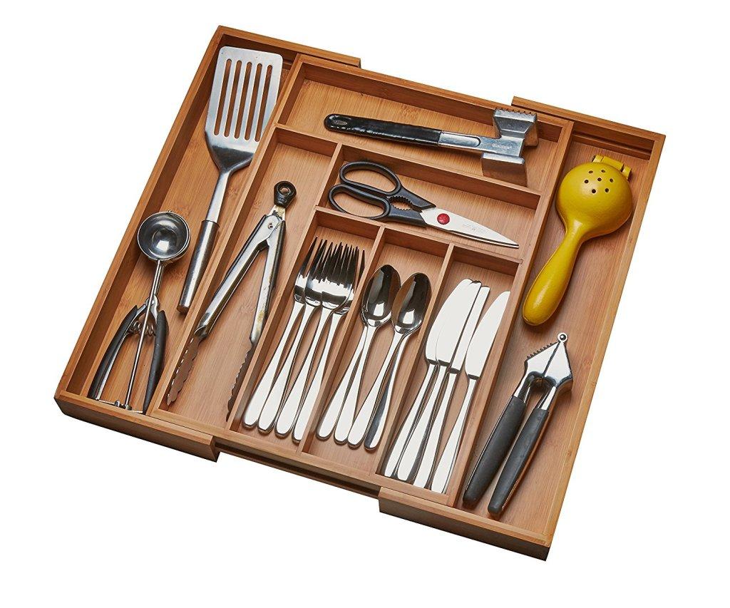 messy-minimalist-kitchen-organizer