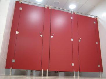 Cabines Fenólicas Vermelhas - Aeroporto Humberto Delgado