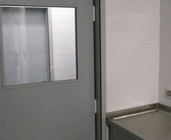 Portas Fenólicas com janela - Lar João Paulo II