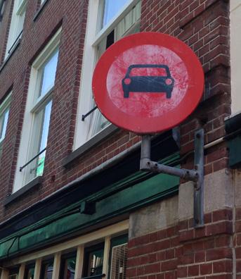 car_stop_sign