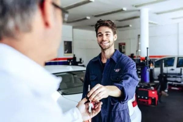 Comment obtenir plus de clients dans mon atelier de réparation automobile et les garder heureux en 6 étapes simples