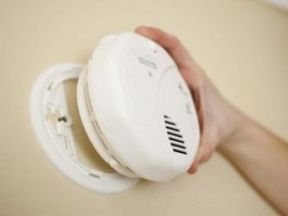 How to connect smoke detectors