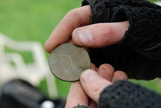 Search antique coins using metal detectors