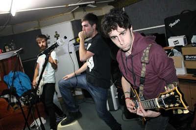 Gabezia buscan guitarrista de reemplazo