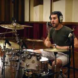 Eratu vídeo de «Paradisua»