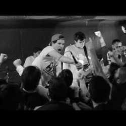 "Meltdown videoclip de ""Titanes"""