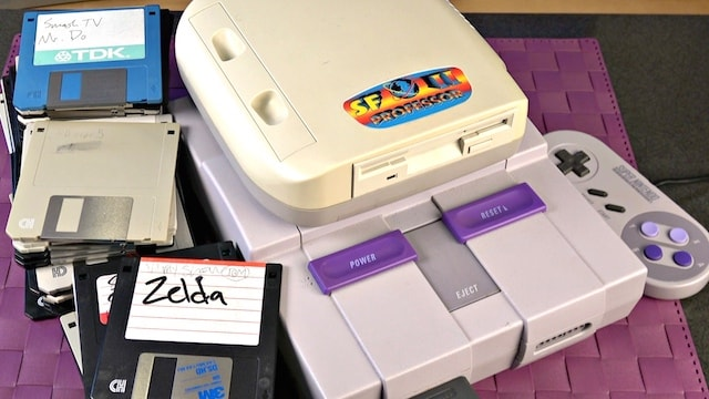 A Super Nintendo (SNES) Floppy drive?! How does it WORK?