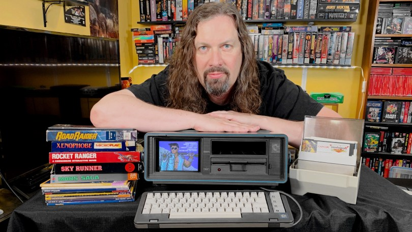 "CommodoreSX-64_THUMB4.jpg"""