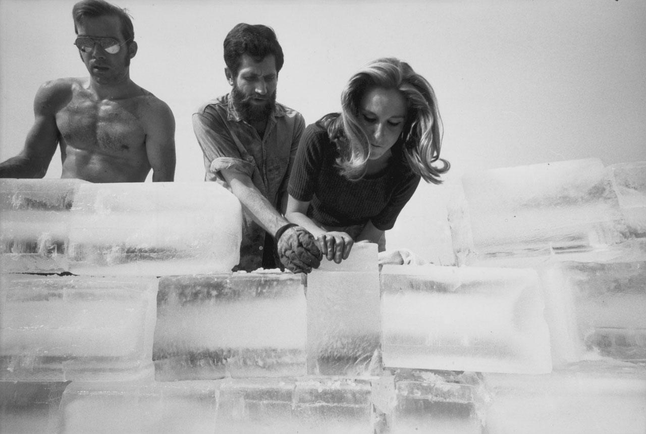 Fluids Un happening por Allan Kaprow 19672015  METALOCUS
