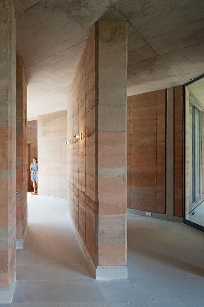 Ajijic House by Tatiana Bilbao  METALOCUS