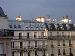 zinc-standing-seam-roofs-in-France