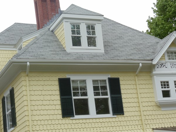 traditional-asphalt-shingle-roof