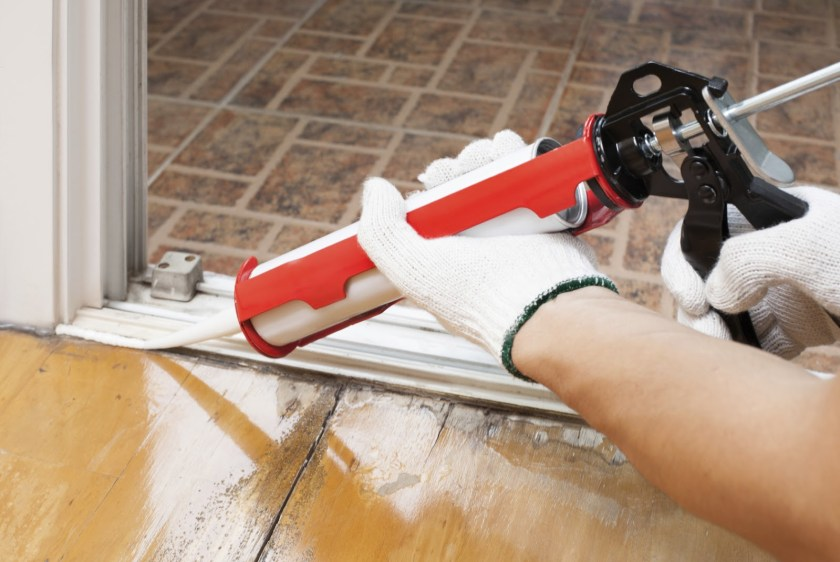 caulking-to-stop-air-leaks