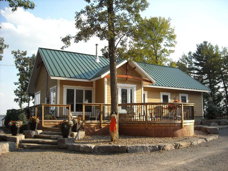This home shows Metal Sheet Heritage 16'' from Metal Roof Outlet in Ontario.