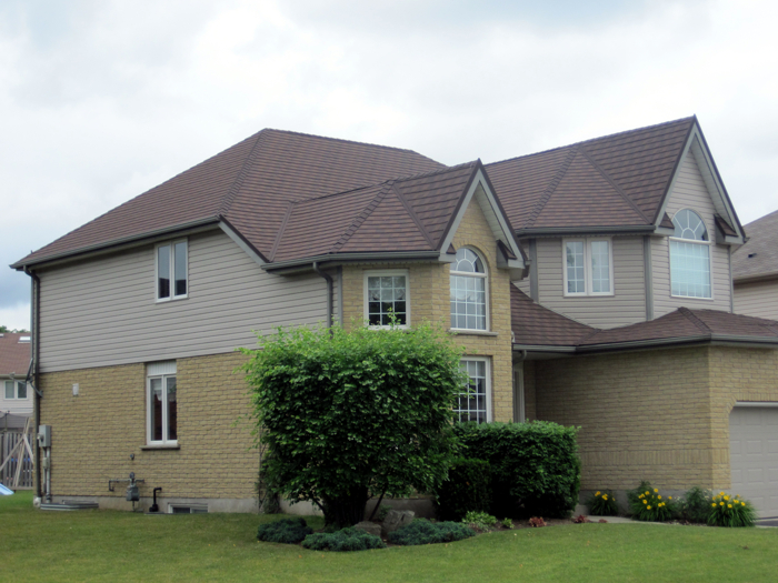 Steel shingle roofing installed on a Kitchener Ontario home