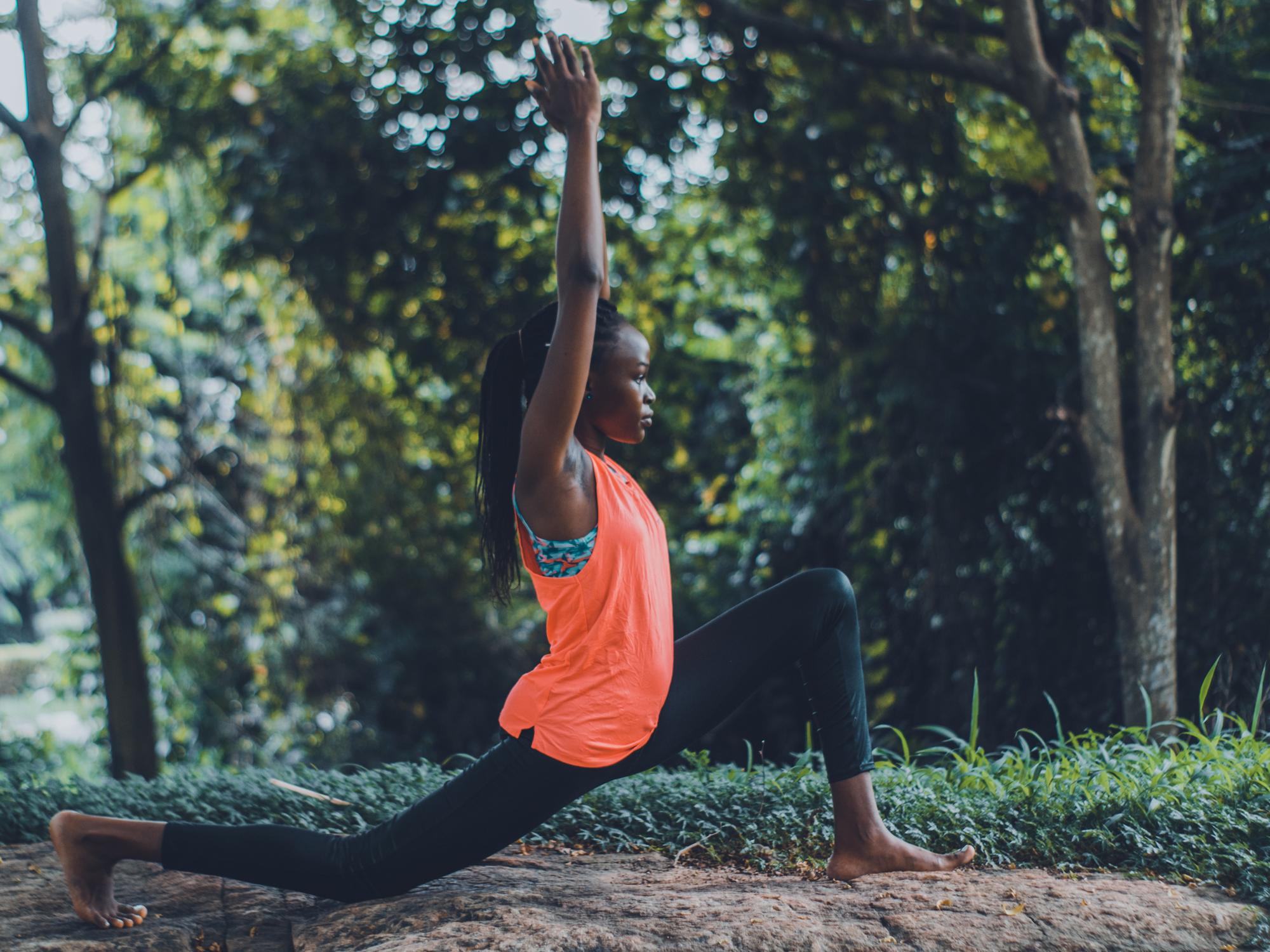Yoga en plein air : trouvez votre zen en public
