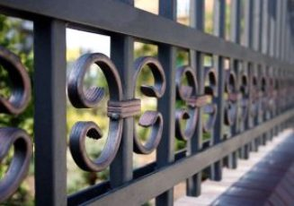 closeup-of-a-wrought-iron-fence