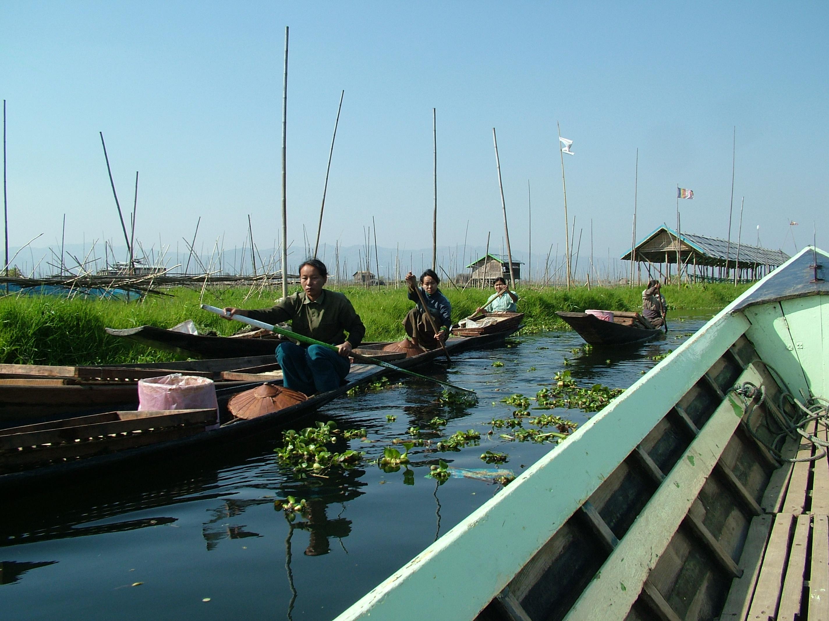 סירה באגם אינלה