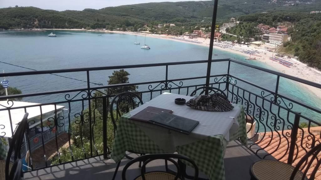 מסעדת רומנטיקה בעיר פראגה יוון
